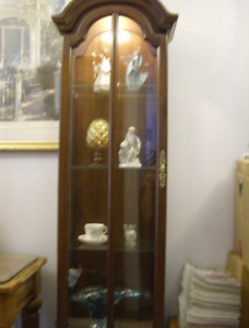 Queen Anne or French Provincial style Curio