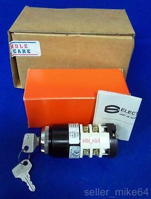 Electroswitch Kw20-105m4-1 Keyed Rotary Switch 20a 300 Vac 20 In-lb Nib Pzf