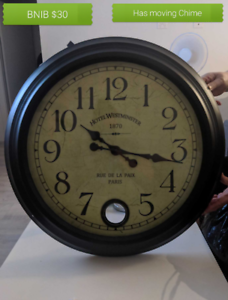 Large Wall Clock with moving Chime Pearl Beach Gosford Area Preview