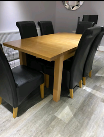 Solid Oak Extendable dining table with 6 chairs