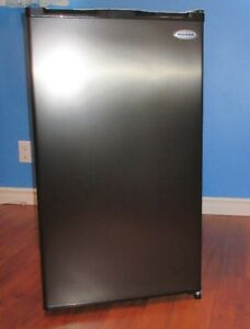 NEW NEVER USED MINI- FRIDGE Marathon Compact All Refrigerator