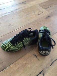 Boys size 2 Adidas Soccer Cleats