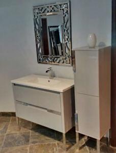 BATHROOM VANITY / CABINET SOLID WOOD, COUNTER, FAUCET, BATHTUB