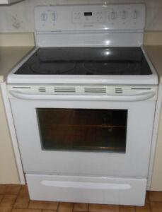 Réfrigérateur et Cuisinière vitrocéramique, ensemble 350$