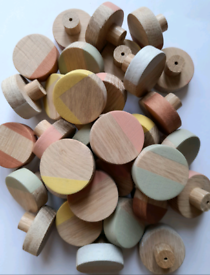 Solid oak round furniture knobs