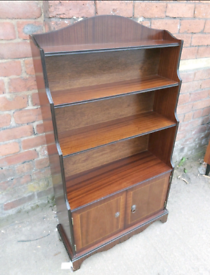 Shelving / Display Cabinet - Quality Oak 2 Shelf & 2 Door Medium Size