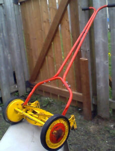 push mower (old school) in great shape 50$ o.b.o