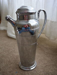 Vintage Art Deco Farberware Large Chrome Cocktail Shaker