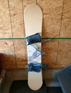 152cm snowboard with bindings