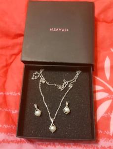 H.Samuel Silver diamond set