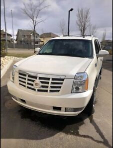 2012 Escalade 4D Utility with ONLY 79800kms!!!
