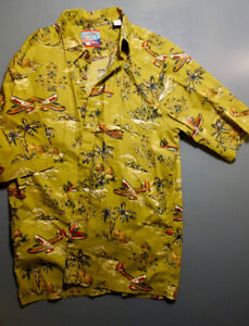 Men's summer and HAWAIIAN shirts. button up. size small