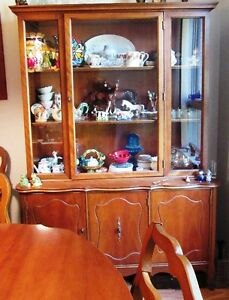Seven Piece Dining Suite London Ontario image 2