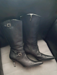 Sexy boots for a lady or your lady! Fits 9-10