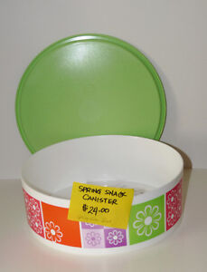 Tupperware Large Snack Cannister - NEW