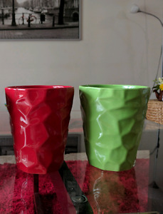 2 Ceramic Plant pots - green n red