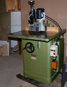 Wood Shaper with Power Feeder