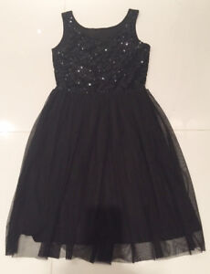 girls H & M black party dress 9-10/ robe H&M 9-10