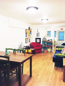 All furnished apartment for temporary period - tourists, workers Québec City Québec image 6