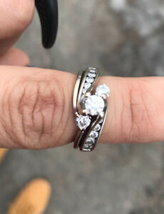2 piece wedding ring and band set