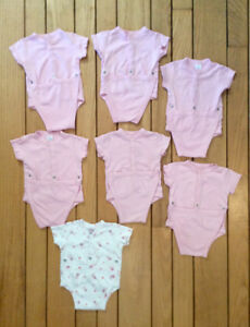 7 Baby's Onesies With Snap Closure, Size 3 Months - St. Thomas