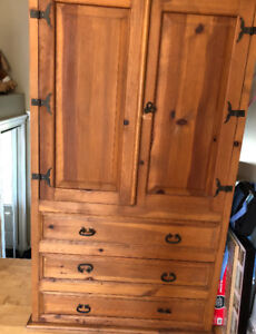 Armoire pin