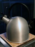 Kettle with very loud whistle