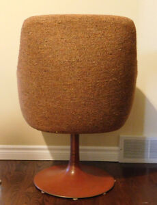 Retro Chair with Round Metal Base from 1970's Kitchener / Waterloo Kitchener Area image 3