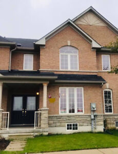 Stouffville 3 Beds/3 Washrms TH house for Rent - Kids Friendly
