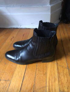 zara 100% leather ankle boots