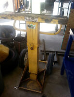 TRAILER STAND