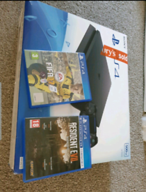 Ps4 plus 2 games and 1 controller (deliver local)