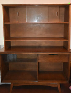 Mid Century Modern China Cabinet - 1960's Excellent Condition
