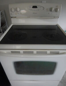 Maytag White Glass Stove  Self Cleaning