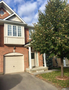 For Rent 3 Bdrm Townhouse In Newmarket (Upper Floors Only)