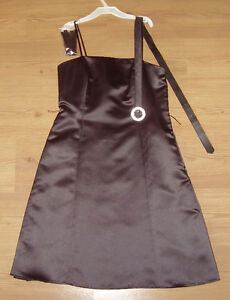 Black Evening dress in immaculate condition London Ontario image 2