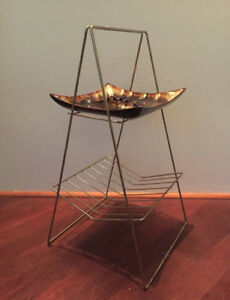 1950's MID CENTURY MODERN BRASS WIRE MAGAZINE STAND WITH ASHTRAY