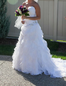 Beautiful Maggie Sottero Miri Wedding Dress for sale $700 OBO Windsor Region Ontario image 7