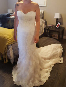 Gorgeous wedding dress for sale!