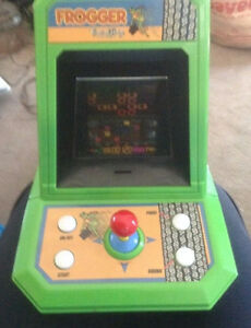 Vintage Frogger Tabletop Video Arcade Game Excalibur 2005 Electr