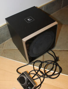 Logitech Z4 subwoofer, excellent condition