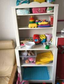 Cabinet shelf unit + changing table
