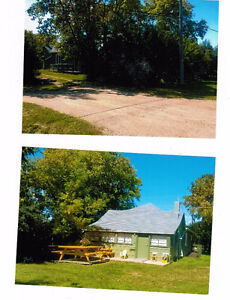 Quaint Home and 2 large lots in small, friendly Manitoba town