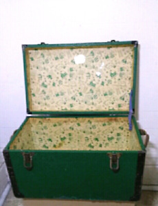 **Vintage Wooden Doll/Toy Chest**