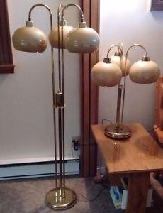 2 lampes de salon avec gradateur à 3 intensités