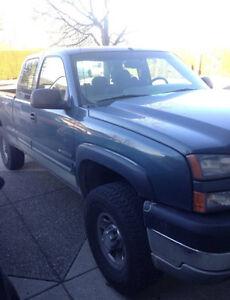 2007 Chevrolet Silverado 2500 Blue Pickup Truck
