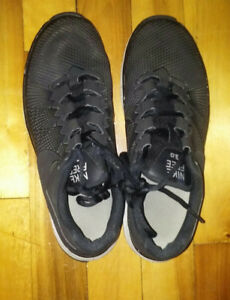 Shoes Nike for men - Size: 7.5