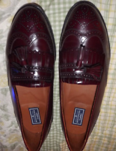 Clarks Bostonian Classic wingtip loafer with tassels-sz 10