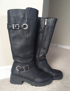 Woman's Black Leather Harley Davidson Boot Size 7
