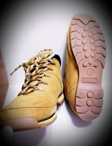 Timberland Leather Boots (FREE Delivery within Halifax)